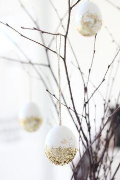 My big Easter DIY egg edit: gold glitter eggs.