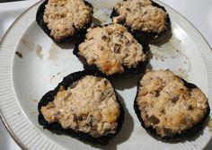 Μανιτάρια πορτομπέλο γεμιστά συνταγή από Bougatsova - Cookpad Muffin, Cookies, Breakfast, Desserts, Food, Recipes, Crack Crackers, Morning Coffee, Essen