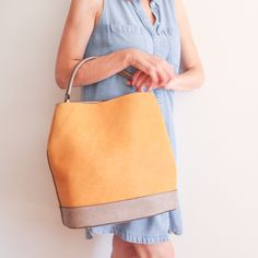 'A New Moment' Tote online- Shop via link in bio Vegan Handbags, Vegan Fashion, Handbags Online, Simple Style, Vegan Leather, Madewell, Tote Bag, Photo And Video