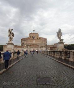De Engelenburcht in Rome is ooit gebouwd als mausoleum voor keizer Hadrianus, maar deed ook dienst als gevangenis en als toevluchtsoord voor de paus.