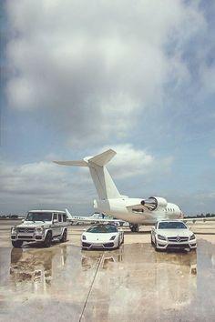 Private jet and vehicles. Private jet and vehicles. Jets Privés De Luxe, Flipagram Instagram, Jet Privé, Small Luxury Cars, Small Cars, Luxury Private Jets, Private Plane, Billionaire Lifestyle, Luxe Life