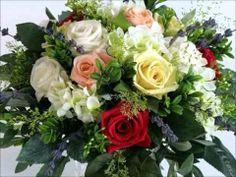 פרחים חיים או מלאכותיים מה מומלץ שיהיה בבית מה ההבדלים בין סוגי הפרחים, ואיך כל סוג משפיע על האנרגיות שלכם בבית ובחיים