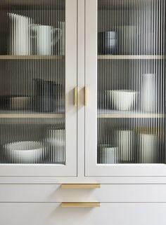 Home Decor Quotes .Home Decor Quotes Kitchen Interior, Kitchen Decor, Kitchen Design, Kitchen Joinery Ideas, Kitchen Ideas, Glass Kitchen, New Kitchen, Martin Moore Kitchens, Bar Sala