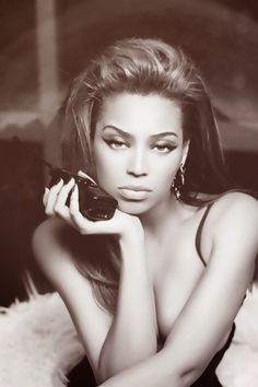 Beautiful cat eye on the sexy Beyonce ❤♔Life, likes and style of Creole-Belle ♥