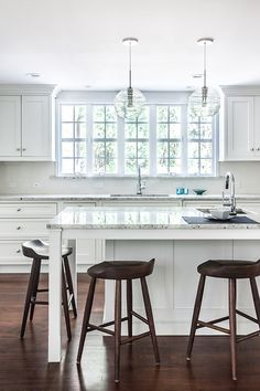 Whether you prefer a casual kitchen or are into modern design, StarMark Cabinetry has what you need to create your dream kitchen. Click to discover StarMark Cabinetry. Design by Kitchen Intuitions, photo by Chris Veith. Custom Cabinets, Casual Kitchen, Custom Kitchens, Distressed Cabinets, Inset Cabinets, Inset Cabinetry, Cabinetry, Cabinet Door Styles, Traditional Kitchen