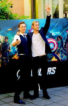 Tom Hiddleston and Chris Hemsworth :: HIDDLESWORTH