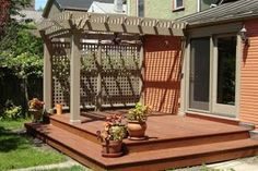 If your home is small and you want to increase its area then you can do this by adding a pergola deck to anyone wall of house from outside. It is very easy to build a deck pergola outside your home for that you just have to choose the wall to start. Patio Pergola, Deck With Pergola, Backyard Patio, Backyard Landscaping, Pergola Kits, Pergola Ideas, Cheap Pergola, Backyard Privacy, Modern Pergola
