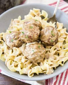 15 Easy and Yummy Meat Recipes For a Quick Dinner Vegetarian Swedish Meatballs Recipe, Swedish Meatball Recipes, Meat Recipes, Cooking Recipes, Weekly Recipes, Hamburger Recipes, What's Cooking, Recipies, Dinner Recipes