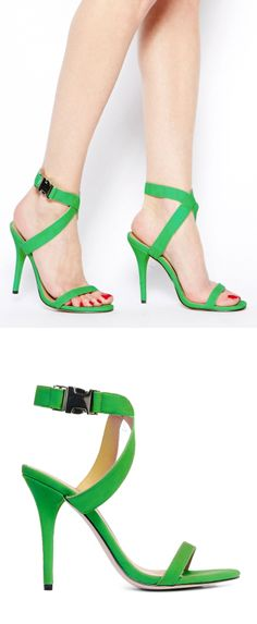 Green wrap sandals // interesting snap buckle detail