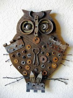 Reclaimed Barn Wood and Salvaged Metal Found Object Assemblage Art Owl Found Object Art, Found Art, Rusted Metal, Metal Tree, Barn Wood Crafts, Metal Crafts, Assemblage Kunst, Wood Owls, Metal Garden Art