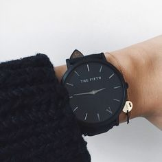 Large sleek face, simple colour scheme, LOVE. The fifth watches are a dream