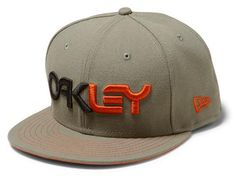 Surplus Green Factory 9fifty Fitted Baseball Cap by OAKLEY x NEW ERA