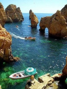 Holidays in Europe - Algarve, Portugal - what a spot - you'll be able to solely attain this with the Bott *** Holidays in Europe? Going by boat within the Algarve, Portugal Places Around The World, Travel Around The World, Around The Worlds, Places To Travel, Places To See, Travel Destinations, Travel Europe, Portugal Destinations, Europe Packing
