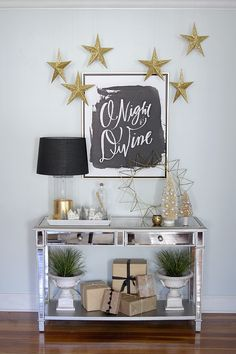 Black and Gold Christmas Decor So Cute!