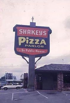 Shakey's Pizza, Bellevue, The one in Houston, Texas on Bisonnet was where ZZTop played many weekends. Those Were The Days, The Good Old Days, My Childhood Memories, Best Memories, Shakeys Pizza, Las Vegas, I Remember When, Oldies But Goodies, Ol Days