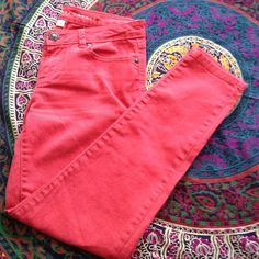 Comfy skinny jeans LC skinny jeans. Great bright color and comfy fit. Great condition. LC Lauren Conrad Pants Skinny