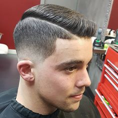 Thick Haircuts - Low Fade Comb Over - Best Men's Hairstyles: Cool Haircuts For Guys Cool Mens Haircuts, Cool Hairstyles For Men, Thick Haircuts, Men's Haircuts, Modern Haircuts, Crew Cuts, Bald Taper Fade, Crew Cut Haircut, Fade Haircut