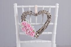 How to make a floral wicker heart # Funny Valentine, Valentine Day Wreaths, Valentines Diy, Hobbies And Crafts, Diy And Crafts, Heart Decorations, Wedding Decorations, Floral Decorations, Recycling