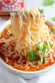 Spicy Sriracha Ramen Noodle Soup (Video) - Baker b. - Spicy Sriracha Ramen Noodle Soup Maybe without the hot sauce? and using my gf ramen noodles Spicy Ramen Noodles, Ramen Noodle Soup, Ramen Noodle Recipes, Soup Recipes, Vegetarian Recipes, Dinner Recipes, Cooking Recipes, Healthy Recipes, Vegetarian Ramen
