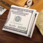 Altijd leuk: Een originele portemonnaie met het Dollar Logo erop en meer dan voldoende opbergmogelijkheden :-) Voor maar € 3,35!  http://gadgetsfromchina.nl/originele-portmonnaie-met-dollar-logo/  #Gadgets #Gadget #China #Geld #Money #Portemonnaie #Dollar #GadgetsFromChina