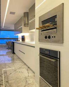 """328 curtidas, 8 comentários - Romero Duarte & Arquitetos (@romeroduartearquitetos) no Instagram: """"Espaço gourmet de um apartamento. Espaço amplo e claro para para horas de muita diversão…"""""""