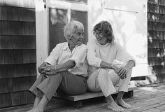 Mary Oliver (b. right) with her partner of over forty years, photographer Molly Malone Cook at the couple's home in Provincetown, Massachusetts. Mary Oliver, Molly Malone, Berenice Abbott, National Book Award, Great Love Stories, Ways Of Seeing, Portraits, Grief, Feelings