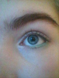 Natural mermaid eye makeup with sea foam green.Eat your heart out @Avengerchick21 lol jk miss ya
