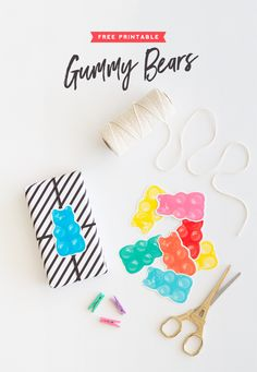 Free Printable Gummy Bears - These make darling gift decorations! Free Printable Art, Free Printables, Printable Valentine, Origami, Bear Valentines, Bear Party, Bear Birthday, Gummy Bears, Free Prints