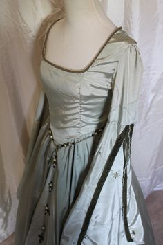 Bust 37 Sage Tudor Dress Renaissance Game of by RecycledRockstah