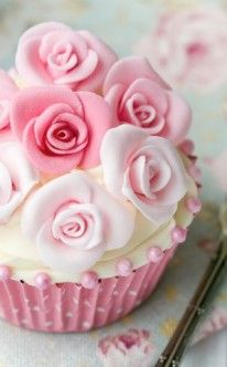 Hochzeit: rosa Rosen als Cupcake-Dekoration / cupcakes for wedding