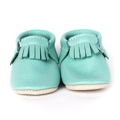 Easter: Robin's Egg is a bright Blue with a hint of green. Minimoc Moccasins have been designed with an elastic at the opening that allows for an easy, slip-on fit, yet keep the shoes on the feet of even the most enthusiastic 'kicker'. Little Babies, Cute Babies, Baby Kids, Baby Boy, Baby Registry Items, Baby Moccasins, Robins Egg, Baby Store, Handmade Baby