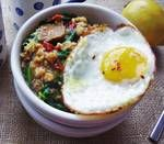 Savory Oatmeal Recipe: Kale, Turkey Sausage and Egg Oatmeal--only use links per person Coconut Yogurt Recipe, Yogurt Recipes, Fodmap Recipes, Healthy Recipes, Cooking Recipes, Clean Recipes, Healthy Meals, 300 Calorie Breakfast, Fodmap Breakfast