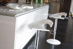 Fantastiche immagini su sgabelli cucina chairs stools e