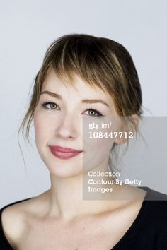 Actress Haley Bennett poses at a portrait session at the 2011 Sundance Film Festival in Park City, Utah on January Choppy Side Bangs, Short Bangs, Hairstyles With Bangs, Pretty Hairstyles, Medium Hair Styles, Short Hair Styles, Messy Haircut, Heart Hair, Long Hair With Bangs