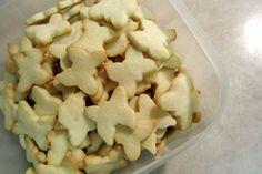 Fazer biscoito caseiro é tradição aqui nas terras do Norte. Principalmente nessa época de Natal (sério gente que o ano já está acabando?), as receitas de biscoito começam a pipocar nas revistas e b...