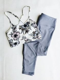 Dress 30 Trendy Sport Outfit Casual Workout Gear What Style of Shoes is Business Casual? Outfits Casual, Outfits For Teens, Sport Outfits, Cute Outfits, Casual Shoes, School Outfits, Cute Workout Outfits, Workout Attire, Womens Workout Outfits