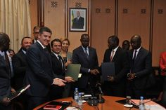 Doğanlar Yatırım Holding ve Miller Holding ortaklığında kurulan DM Yatırım İnşaat Senegal'de iki dev projeye imza attı. Senegal'in başkenti Dakar'da hayata geçecek 105 milyon dolarlık toptancı kompleksi ve lojistik merkezi için Senegal Başbakanı Muhammed Bun Abdullah Dionne ve …