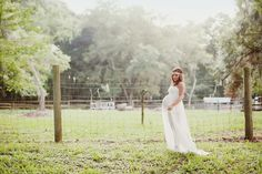 Beautiful Maternity Shoot in Savannah, Georgia