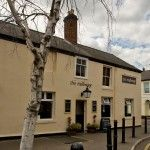 Despite being located in the heart of Cheltenham, the pub offers a lovely big garden hidden away from the bustle of the town centre. Great place to enjoy a drink in the summer and some award winning sausages, for which the pub is famous.