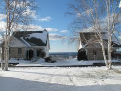 Early snow in Egg Harbor Door County Wisconsin, Best Vacations, Lodges, Cool Pictures, Maine, Egg, Snow, Christmas, Outdoor