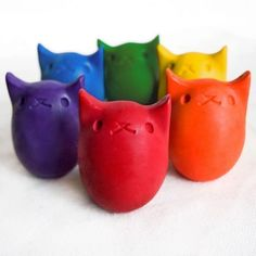 **GIVEAWAY until 9-24-13 !!**  A 6 pack of all natural, kitty egg crayons by Kitty Baby Love on Urban Baby Bonnet's Blog!  EEE SO CUTE!!!!!!!