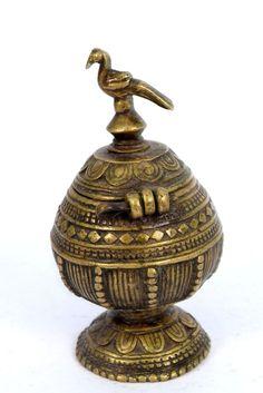 Beautiful Antique Parrot Design Brass Sindoor/Vermillion Box. G7-183