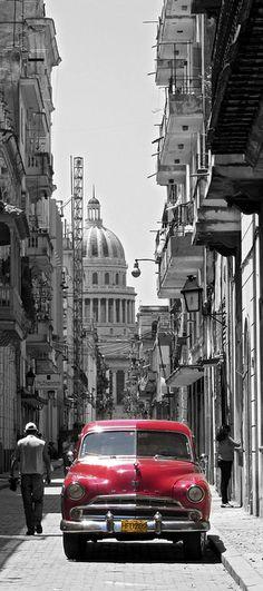 Capitol building and car in Havana Vieja