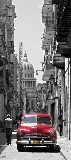 Capitol building and car in Havana Vieja