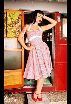 i love vintage/pin-up style!