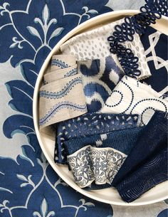 A classic combination of blue and white that brings comfort and style.