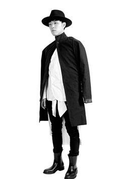 Atelier Neutre Shooting limagerie.fr // Photo studio. Graphic Studio. Galery. Store photo ©L'imagerie - 10 rue du 8 Mai 1945, 95100 Argenteuil #fashion #highfashion #beauty #fineartprint #contemporaryart #artcontemporain #atelierneutre #argenteuil #iledefrance #style #valdoise #studiophoto #photostudio #studiographique #graficstudio