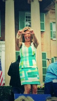 Sister Hoda Kotb throws up a Delta while filming in Charleston.