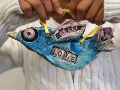 new city arts - based upon Emily Dickinson's poem that starts off. Hope is the thing with feathers. students create a clay bird on which to place their new hopes. Letters were stamped into the clay. Clay Art Projects, Sculpture Projects, School Art Projects, Ceramics Projects, Sculpture Clay, Ceramics Ideas, Hope Is The Thing With Feathers, Kids Clay, Clay Birds