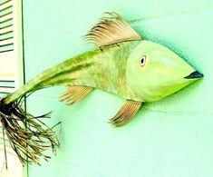 Mandarin Fish Palm Frond by Craig Palm Tree Crafts, Palm Tree Art, Palm Trees, Palm Frond Art, Palm Fronds, Fish Crafts, Beach Crafts, Coconut Fish, Found Art